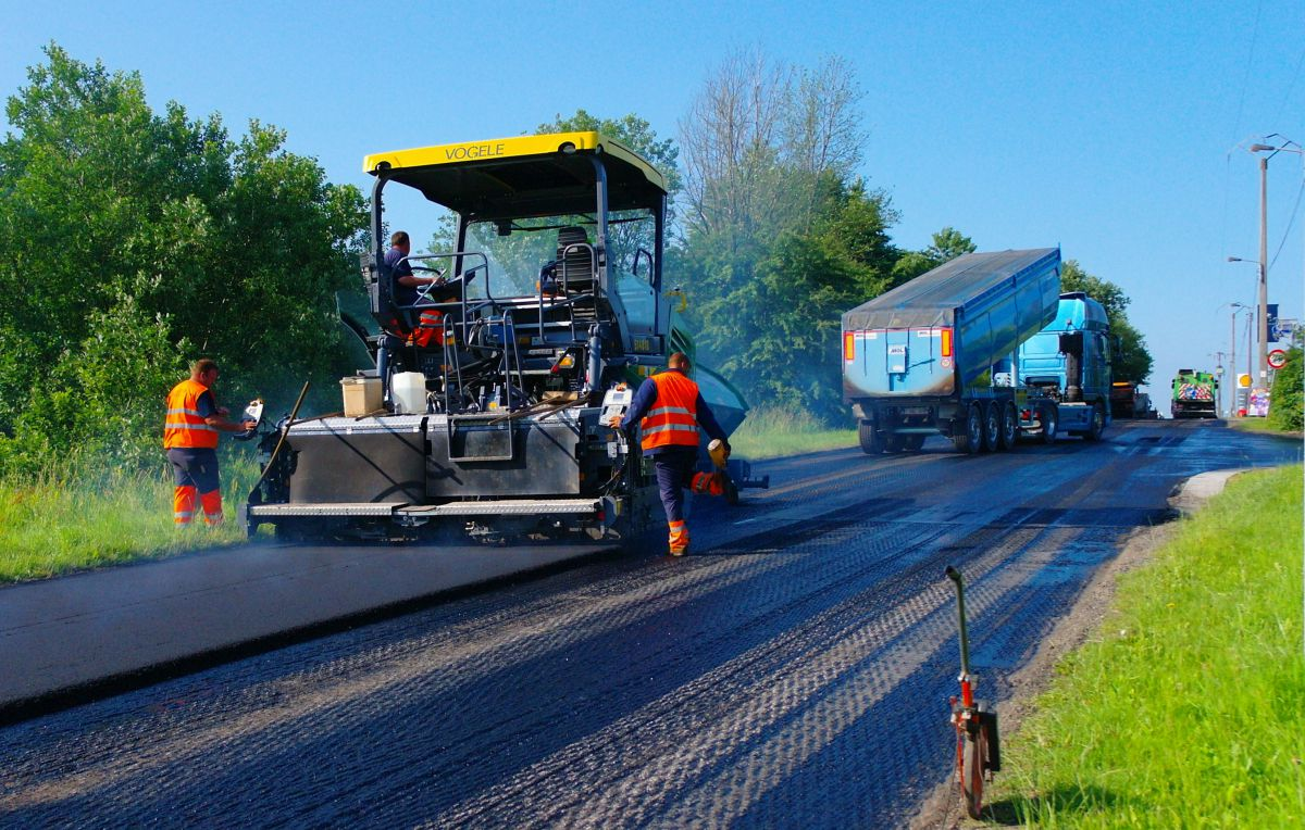 construction of the road Illinois department of transportation (idot), illinois' source for travel and transportation information  road construction season is underway.