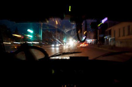 В Тамбове пьяная девушка без прав попала в ДТП на краденой машине