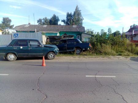 """В Тамбовской области водитель """"семерки"""" врезался в Жигули и умер"""
