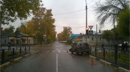 """В Тамбове водитель """"Нивы"""" проехал на """"красный"""" и устроил ДТП"""