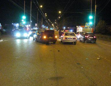 В Тамбове на Советской столкнулись три машины, есть пострадавшие