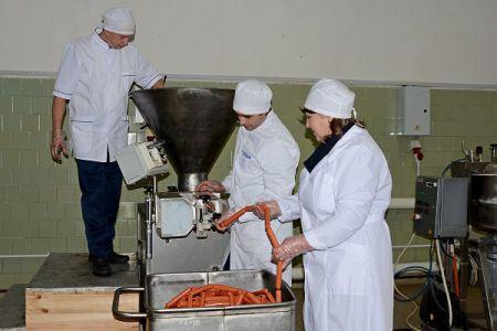 В тамбовской колонии планируют сделать 25 тонн сосисок