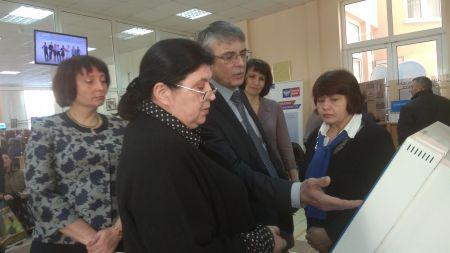 Заместитель губернатора Наталья Астафьева проверила работу пенсионного фонда