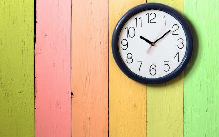 Тамбовчанам предлагают пройти опрос о переводе времени