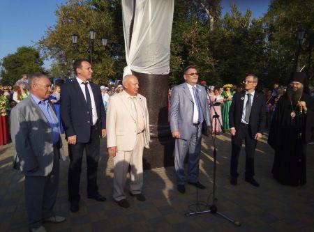 В Моршанске открыли памятник-бюст Екатерине II