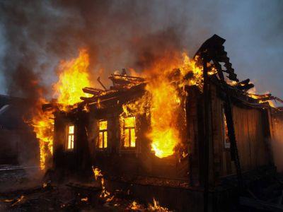 Рано утром на юге Тамбова загорелся жилой дом