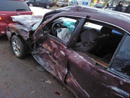 В Тамбове водитель иномарки устроил ДТП с четырьмя автомобилями