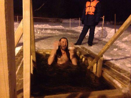 Сотни верующих тамбовчан окунулись в ледяную воду
