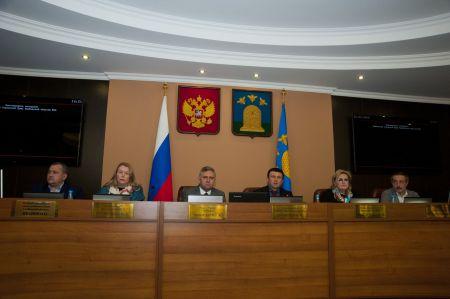 Глава города Сергей Чеботарев досрочно сложил свои полномочия