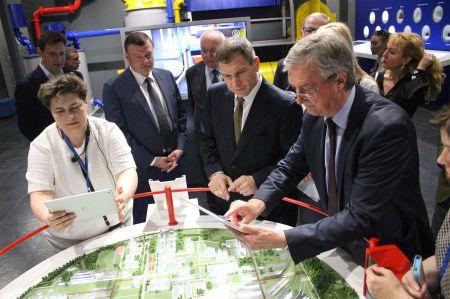 """Тамбовский губернатор и австрийцы оценили выставочный центр """"Пигмента"""""""