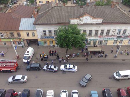 В старинном здании в центре Тамбова обрушился потолок, есть пострадавшие
