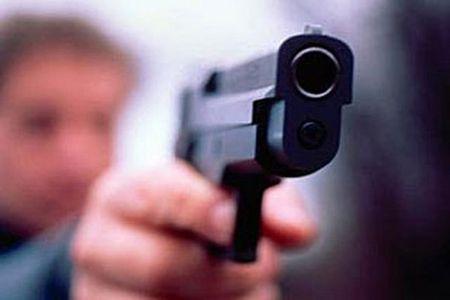 В Тамбове женщина стреляла из пистолета  с балкона