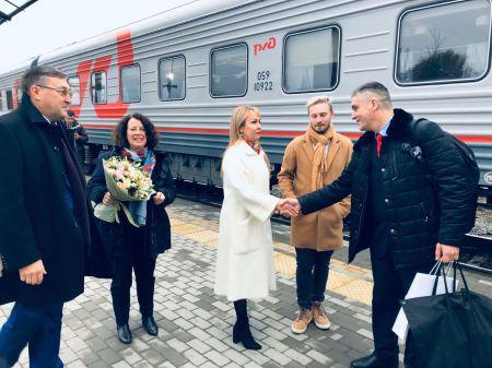 Наталия Макаревич встретила гостей из Франции