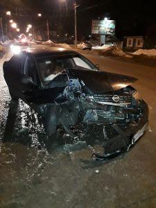 Тамбовчанин въехал в столб и сбежал с места ДТП, бросив пассажира