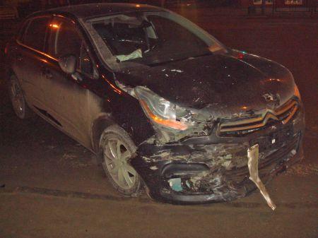В центре Тамбова столкнулись две иномарки: пострадали оба водителя