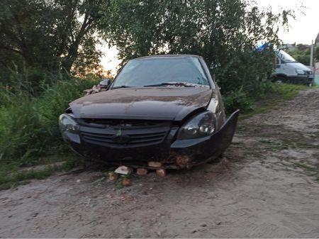 """В Кирсанове водитель на """"Приоре"""" не справился с управлением и вылетел на обочину"""