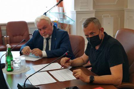 Тамбовская область направит дополнительные средства на поддержку учителей и врачей
