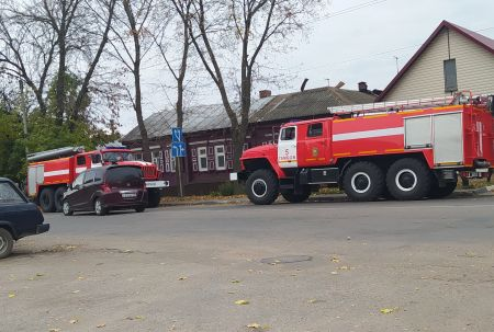 В центре Тамбова при пожаре в частном доме пострадала женщина