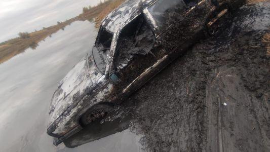 В Жердевском районе в пруду найден автомобиль, в котором находились скелетированные останки человека