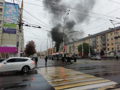 В Тамбове на Советской загорелся автобус